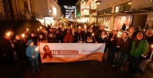 Welt-Aids-Tag 2014, Fackelzug. Foto: Marc Köppelmann